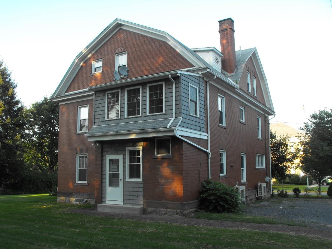 Back_of_Richard_Street_House.JPG