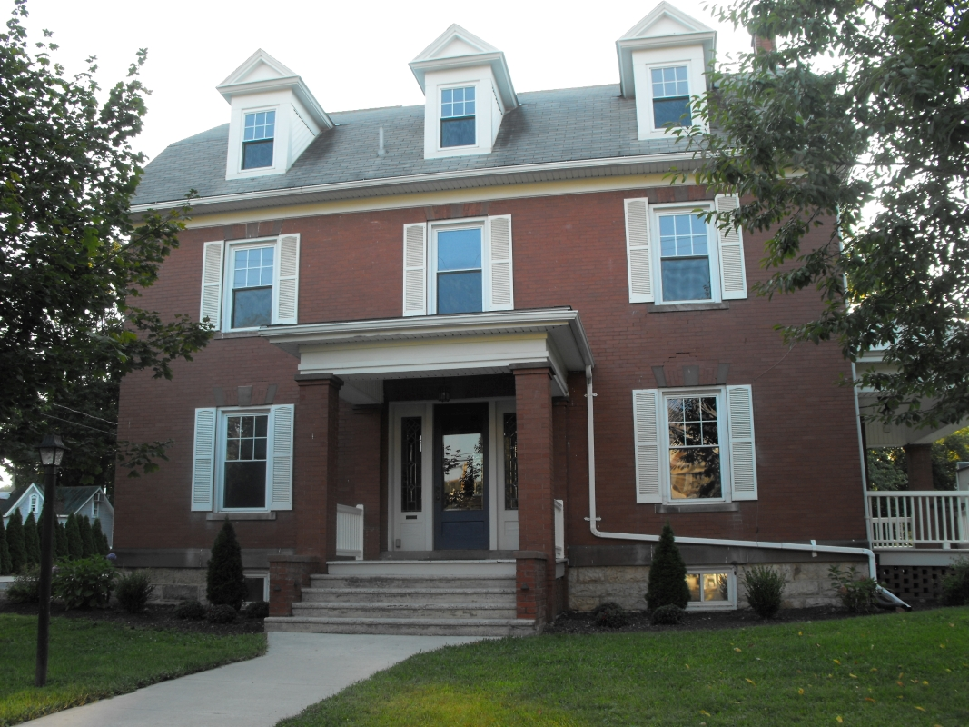 Front_View_of_Richard_St._Home.JPG