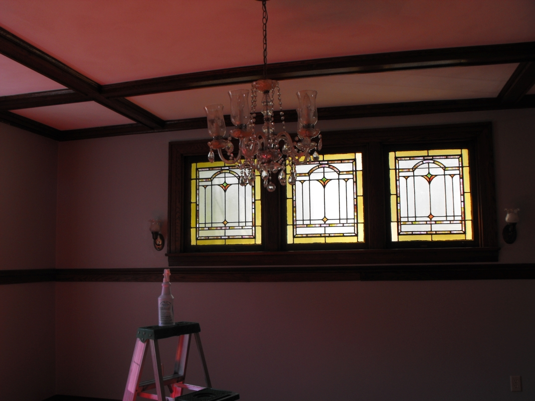 Stained_Glass_Windows_in_Dining_Room.JPG