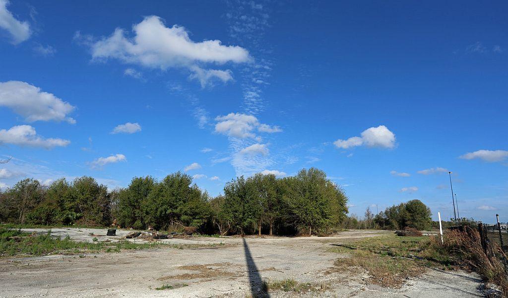 5001 N. Frontage Rd., Lakeland, FL 33810
