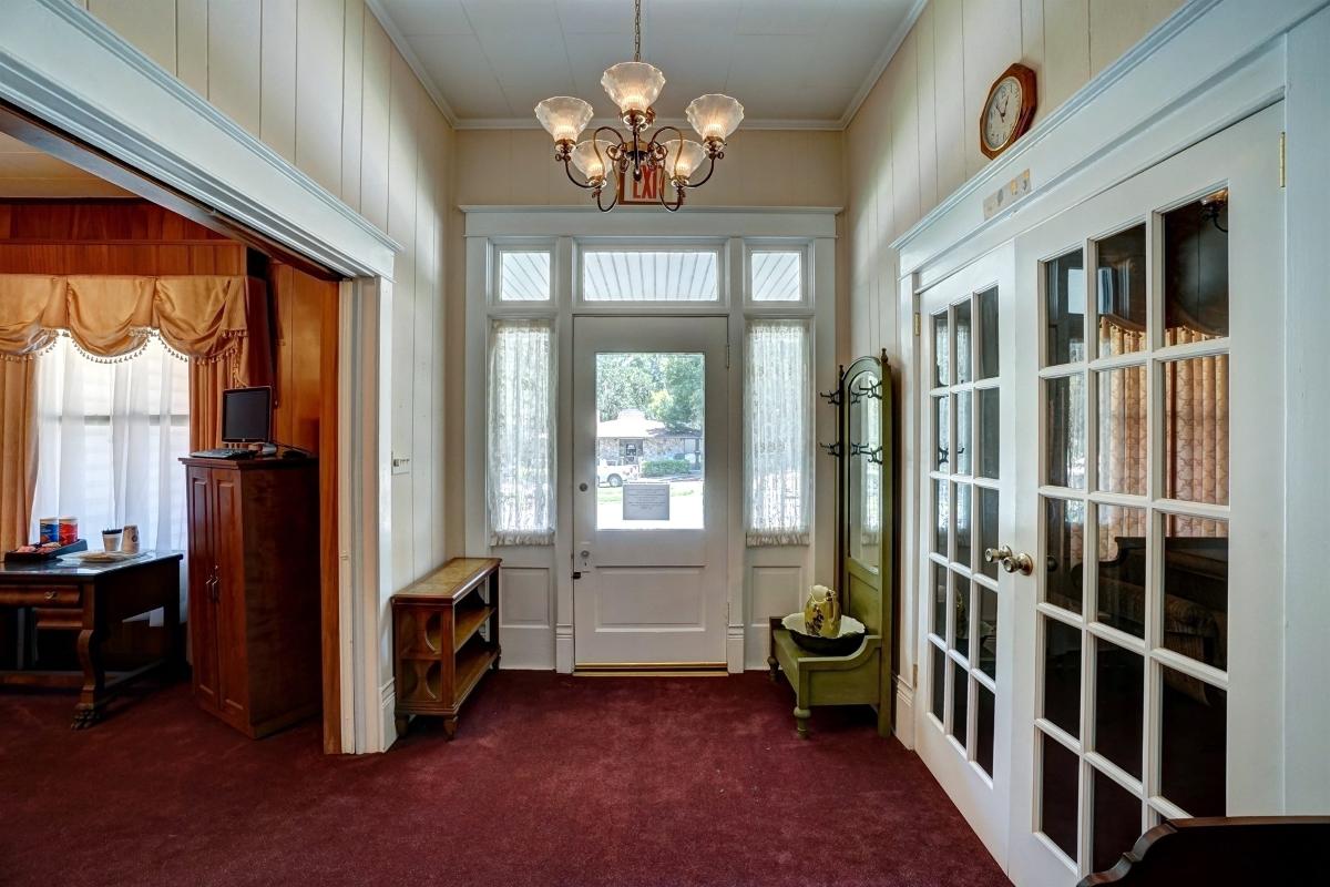 Interior_Entryway.jpg