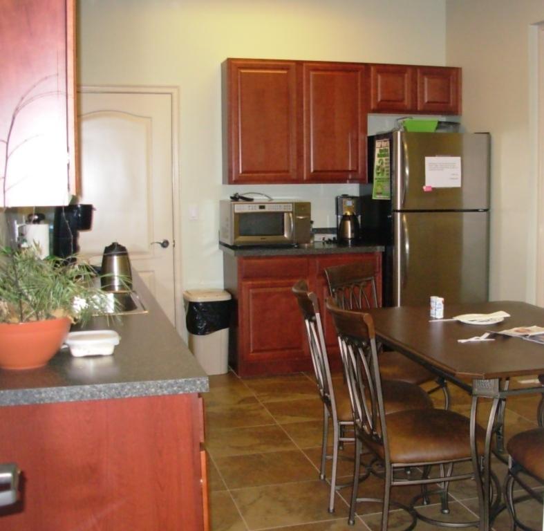 cropped_kitchen.JPG