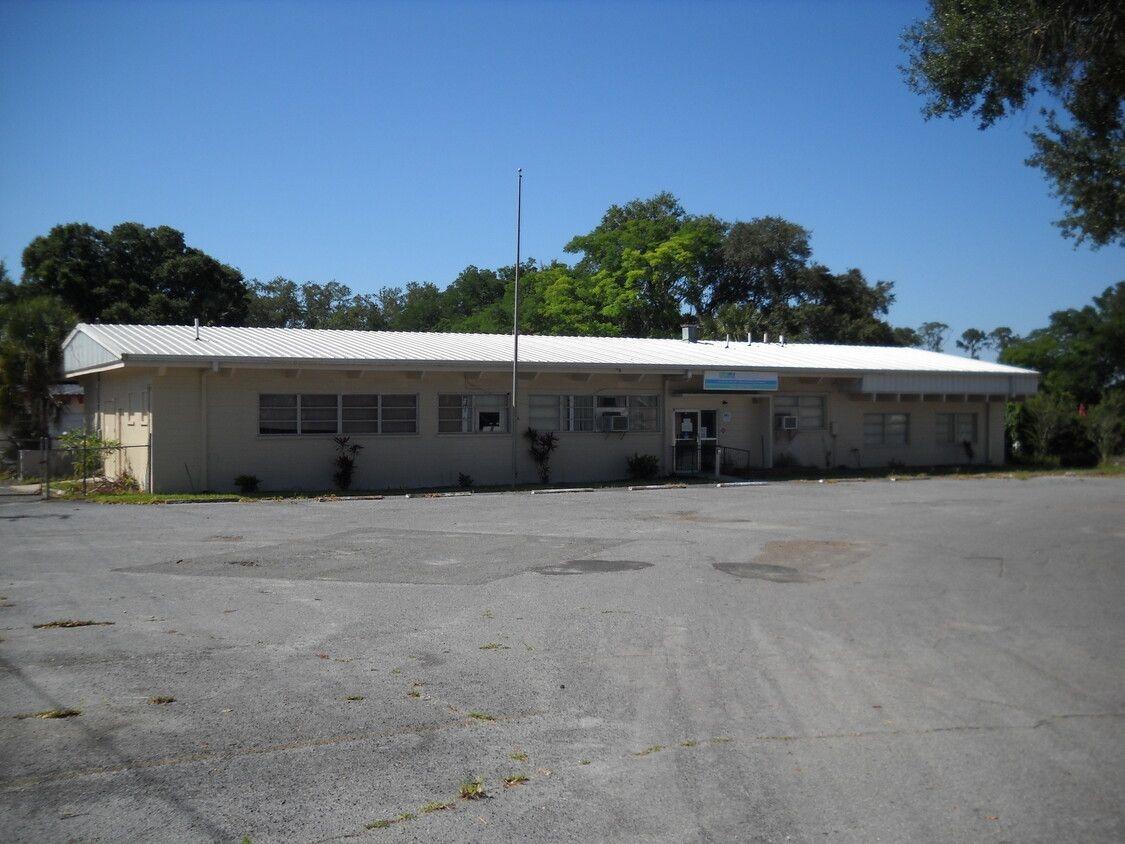 1038 Sunshine Dr., E, Lakeland, FL 33801