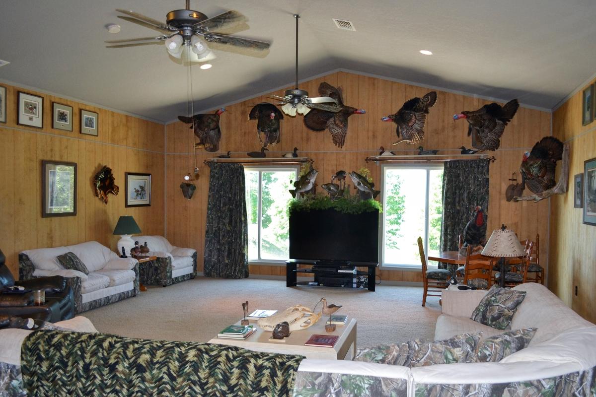 Osprey_Point_Trophy_Bass_Lake_House_Interior_1.jpg