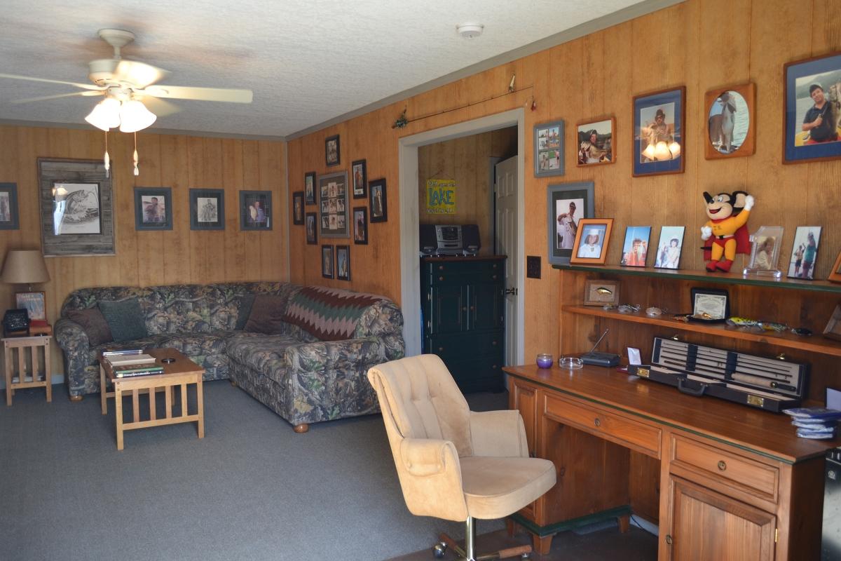 Osprey_Point_Trophy_Bass_Lake_House_Interior_3.jpg