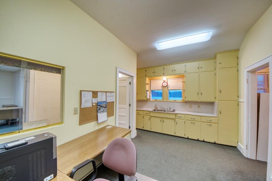 office6_8313.jpg