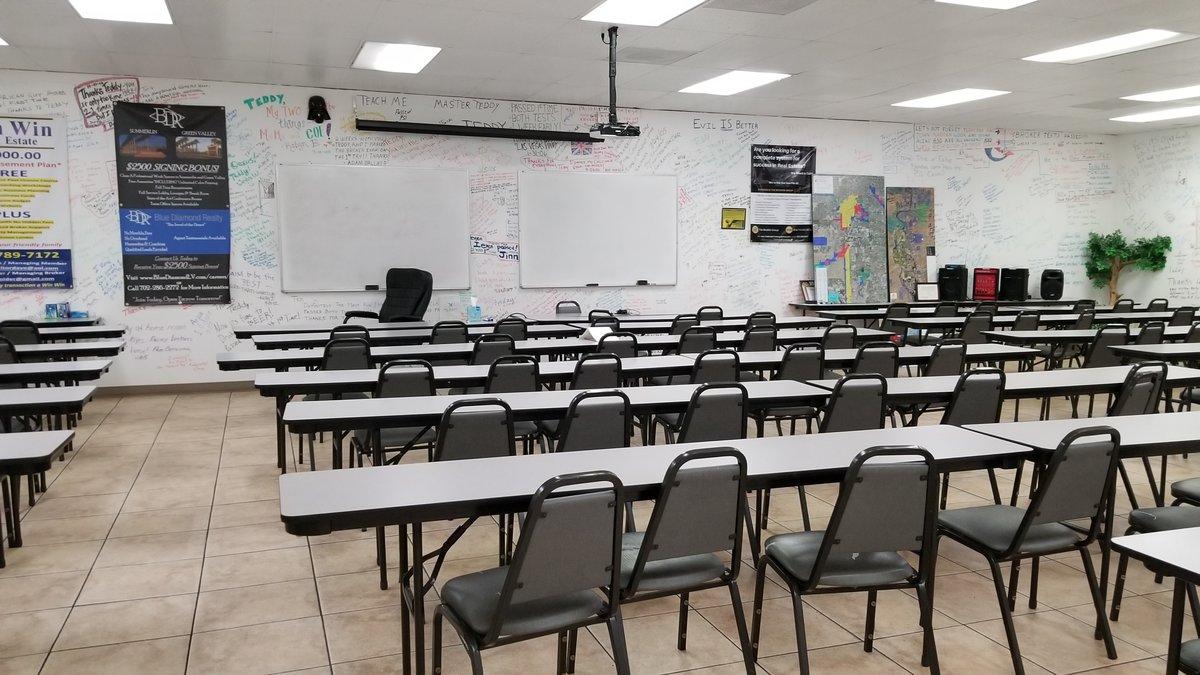 Photo_3620_Flamingo_Classroom.jpg