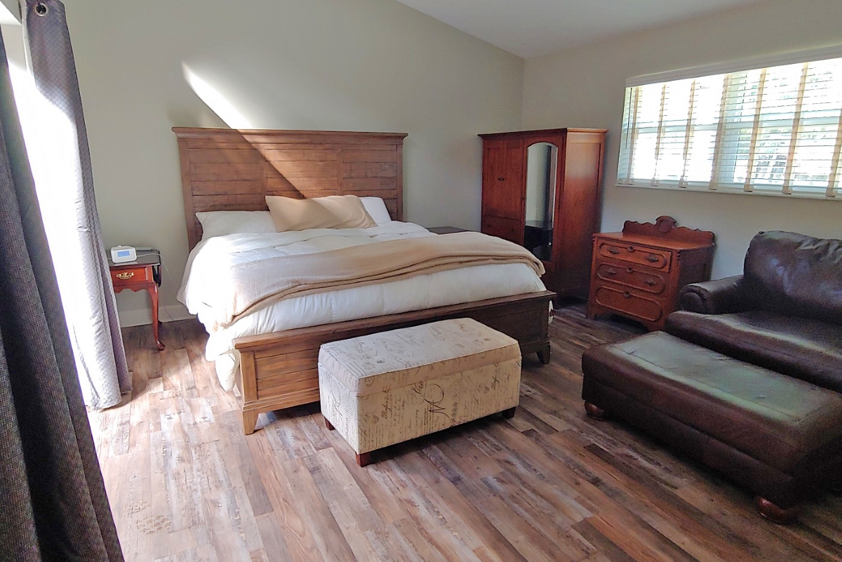 Hernando_County_House_and_Acreage_Bed_Room.jpg