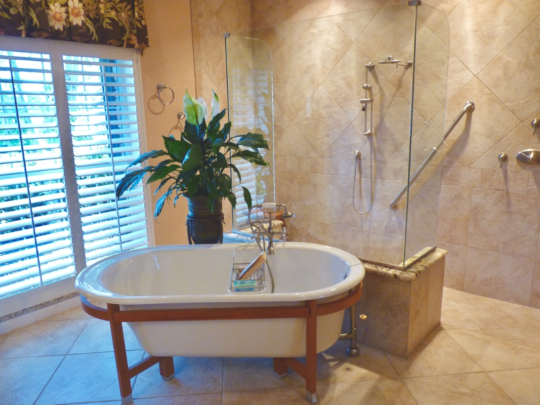 Master Bath with Roman Shower & Standalone Tub