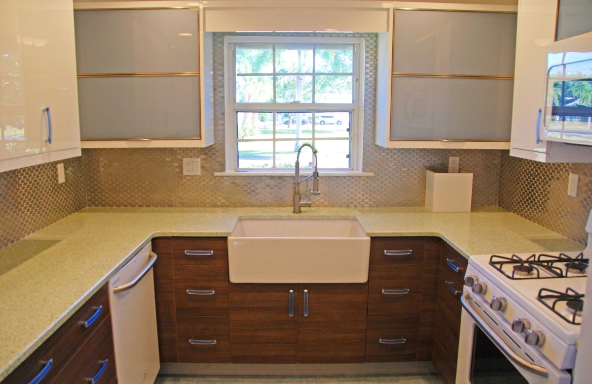 Kitchen_Sink_View.jpg