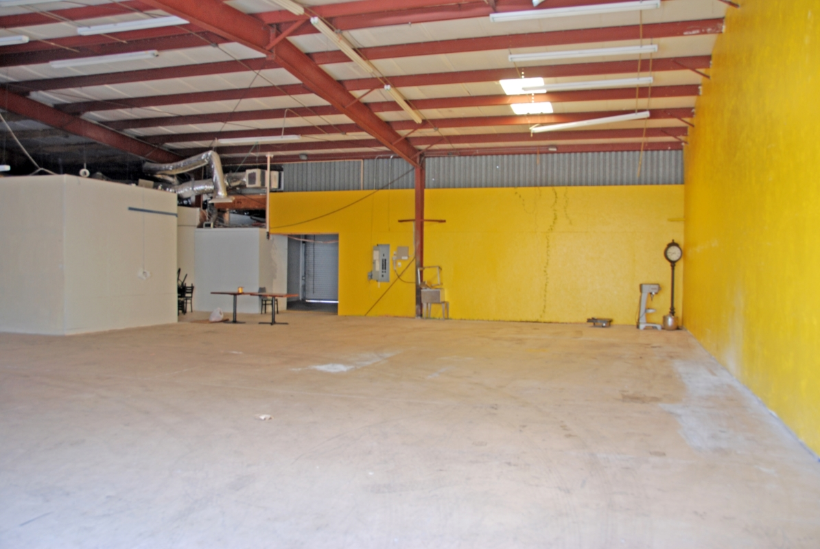 Warehouse_Interior_2.jpg
