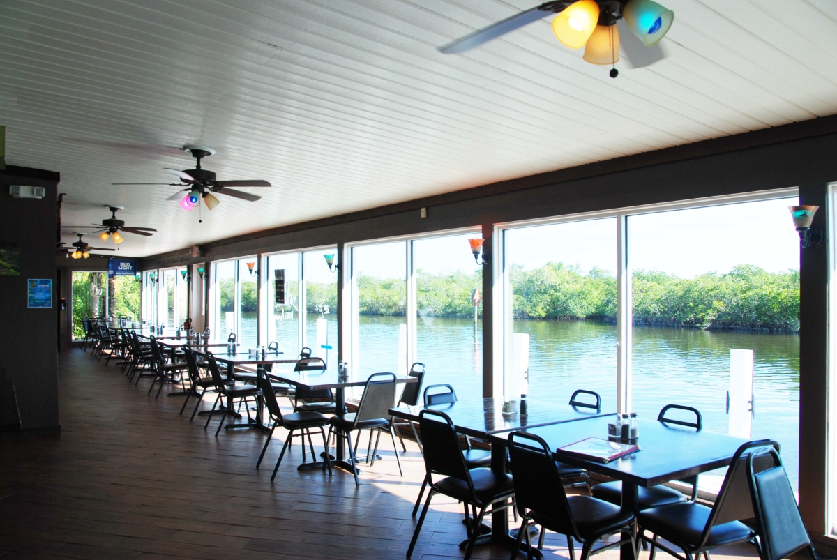 acbg_waterfront_dinning.jpg