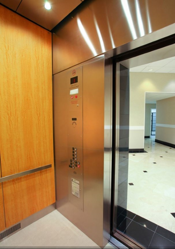 Photo_City_Center_Elevators.JPG