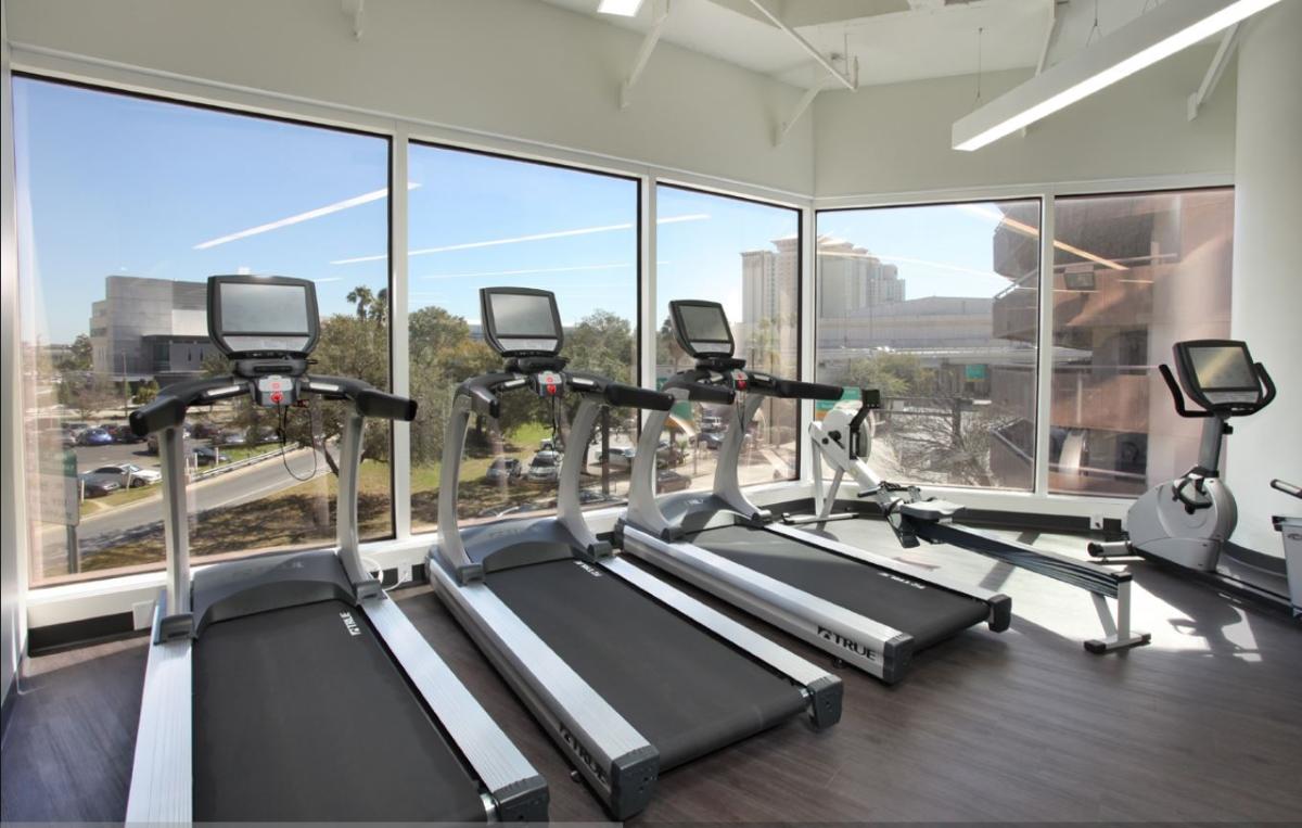 Photo_Wells_Fargo_Center_fitness.JPG