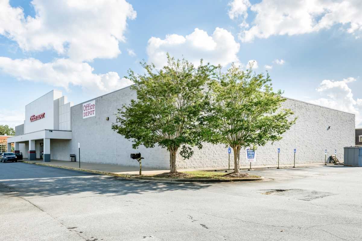 Auction: Office Depot anchored retail in Albany, GA