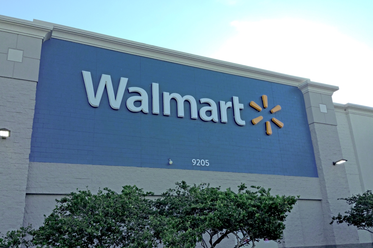 26_Acres_on_US_98_for_Residential_Development_Walmart.jpg