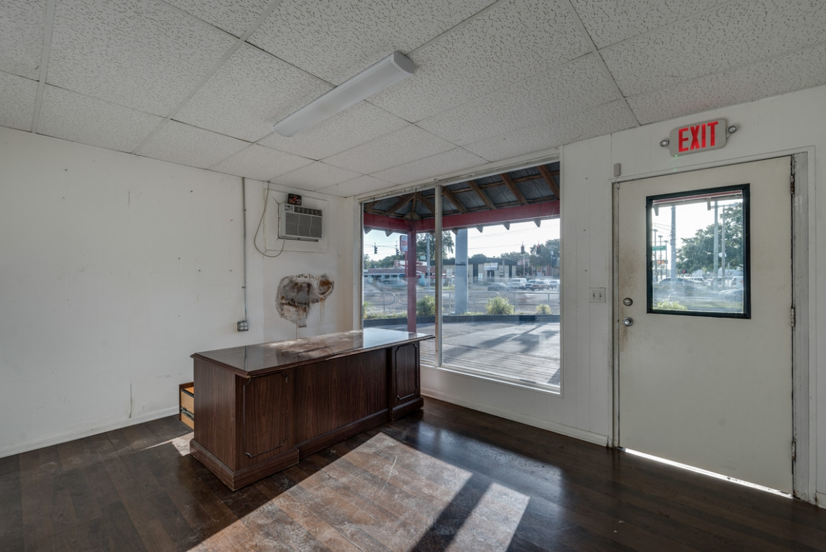 Potential Front Desk or Office Space