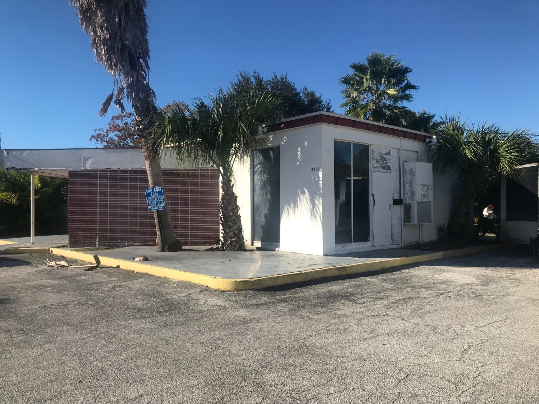 1,988 SF Vacant Structure on Property