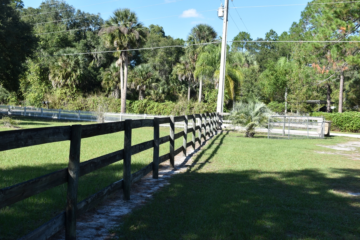 Leesburg_Mobile_Home_and_Acreage_Fencing_2.jpg