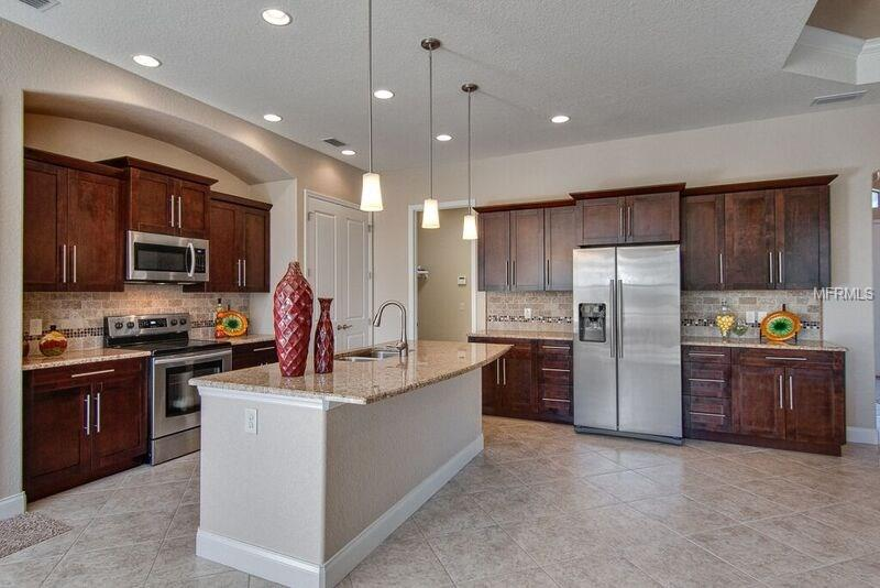 7113HiglandsCreek_kitchen1.jpg