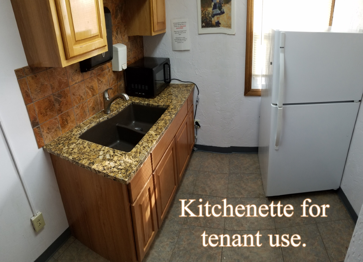 Kitchen_smaller.jpg